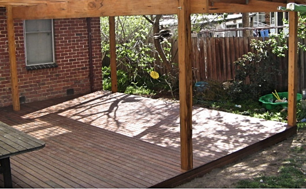 Spotted gum deck under pergola